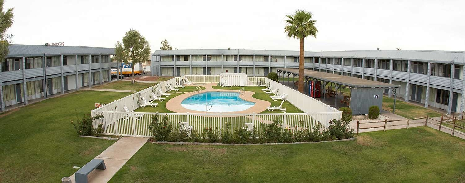 EZ-8 Motel Downtown Phoenix is Just Minutes From Phoenix Sky Harbor International Hotel