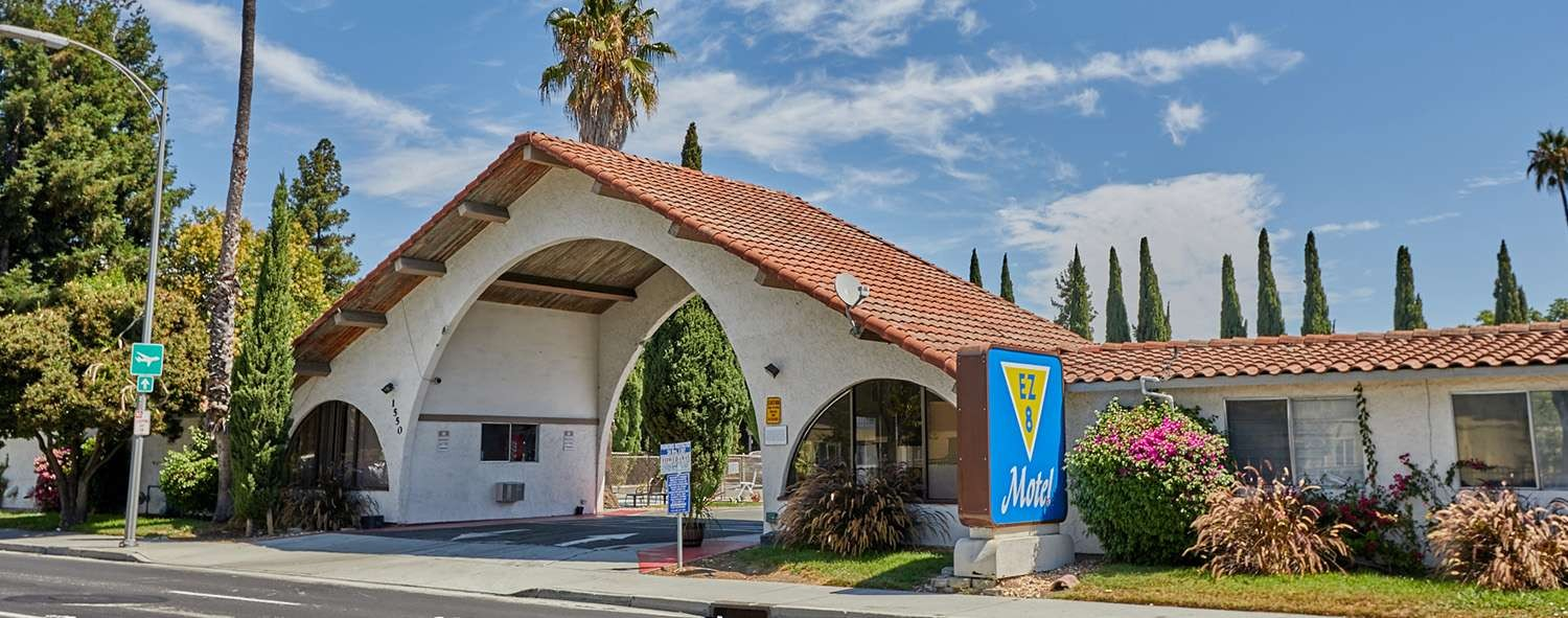 E-Z 8 Motel San Jose I Is Just Minutes From Mineta International Airport