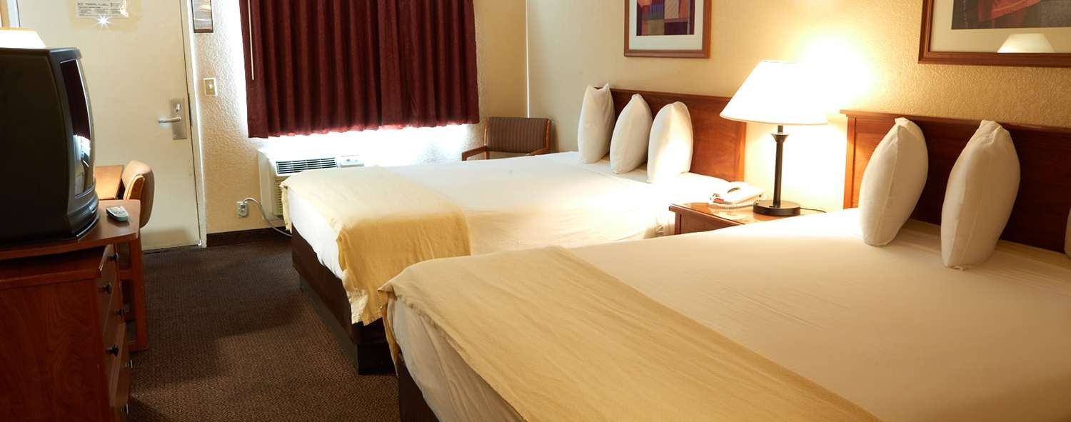 WELL-APPOINTED GUESTROOMS FOR BUSINESS AND LEISURE TRAVEL AT Premier Inns