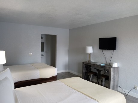 Welcome To EZ8 Palmdale Motel - Accessible Double