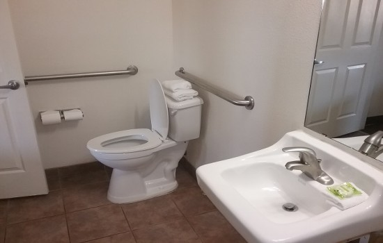 Welcome To Premier Inns Tolleson - Accessible Private Bathroom