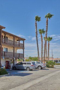 Welcome To EZ8 Palmdale Motel - Dedicated Accessible Parking