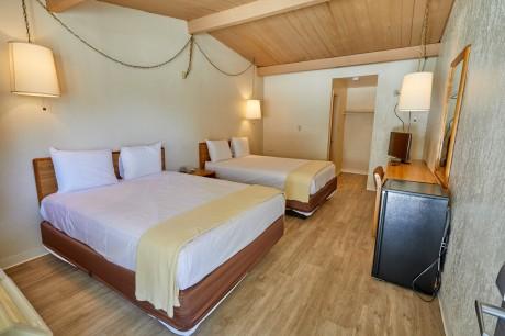 Welcome To EZ 8 San Jose II Motel - 2 Queen Beds