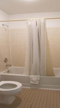 Welcome To EZ 8 Phoenix Airporter - Private Bathroom