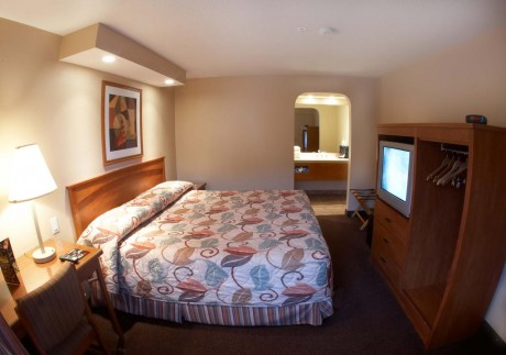 Welcome To EZ 8 Old Town - Single Queen Room