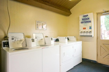 Welcome To EZ 8 San Jose 1 - Guest Laundry