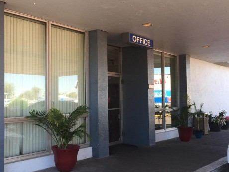 Welcome To EZ 8 Phoenix Airporter - Exterior View of The Office