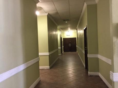 Welcome To EZ 8 Phoenix Airporter - Indoor Corridors